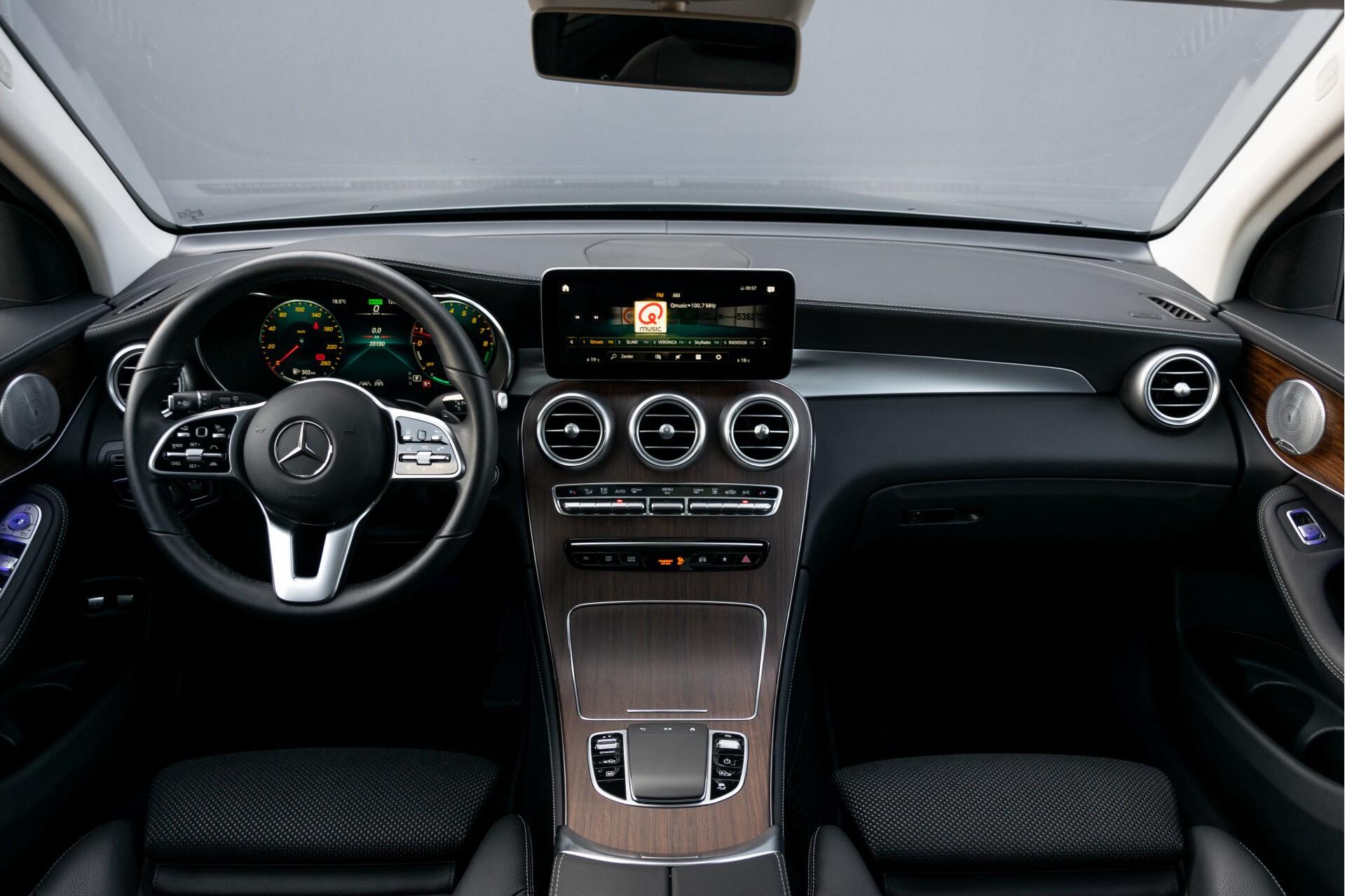 Mercedes-Benz GLC 300e 4-M Luchtvering/Panorama/Multicontourstoelen/Rij-assistentie/Standkachel Aut9 Foto 9