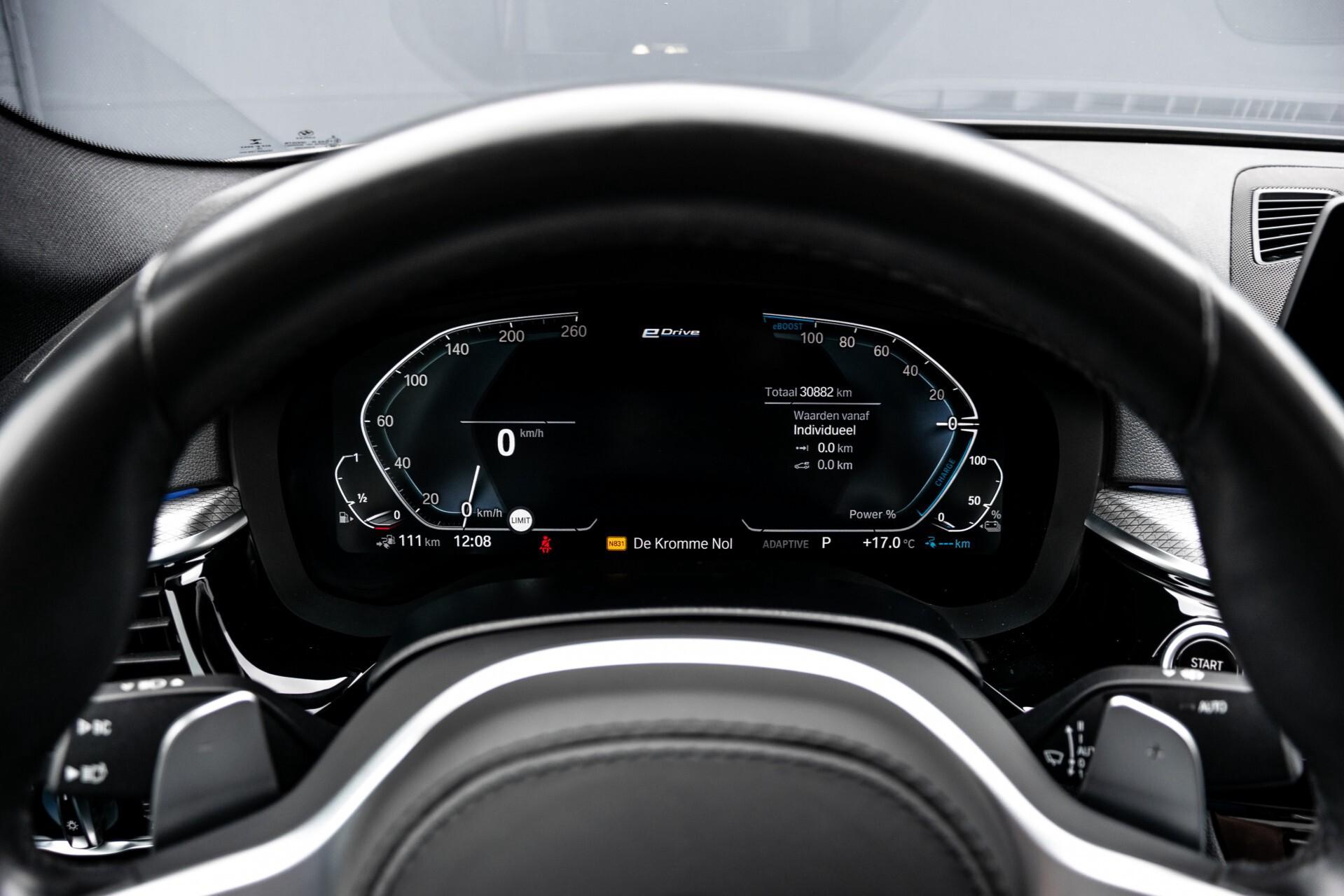 BMW 5 Serie 530e xDrive M-Sport iPerformance High Executive Aut8 Foto 12