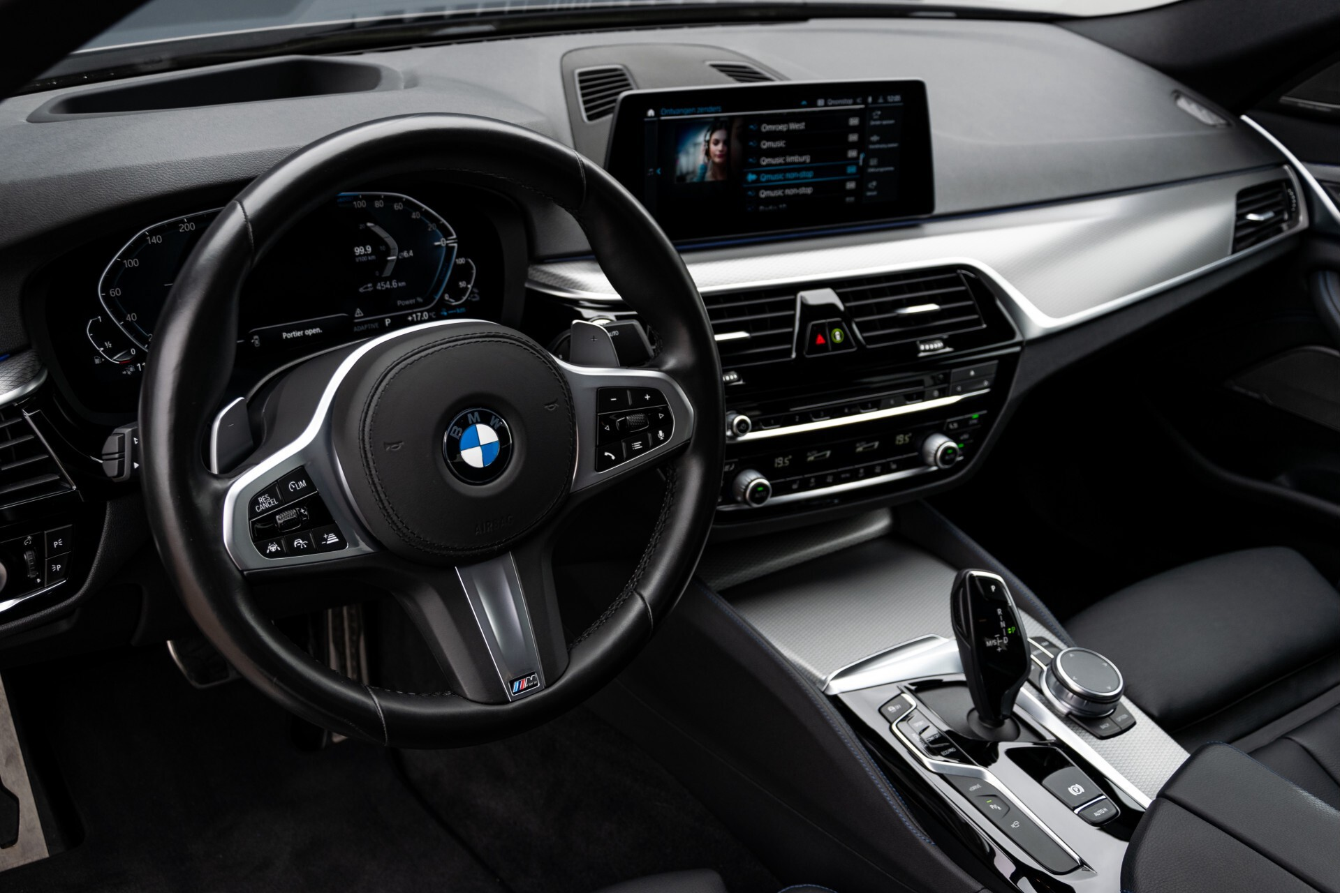 BMW 5 Serie 530e xDrive M-Sport iPerformance High Executive Aut8 Foto 16