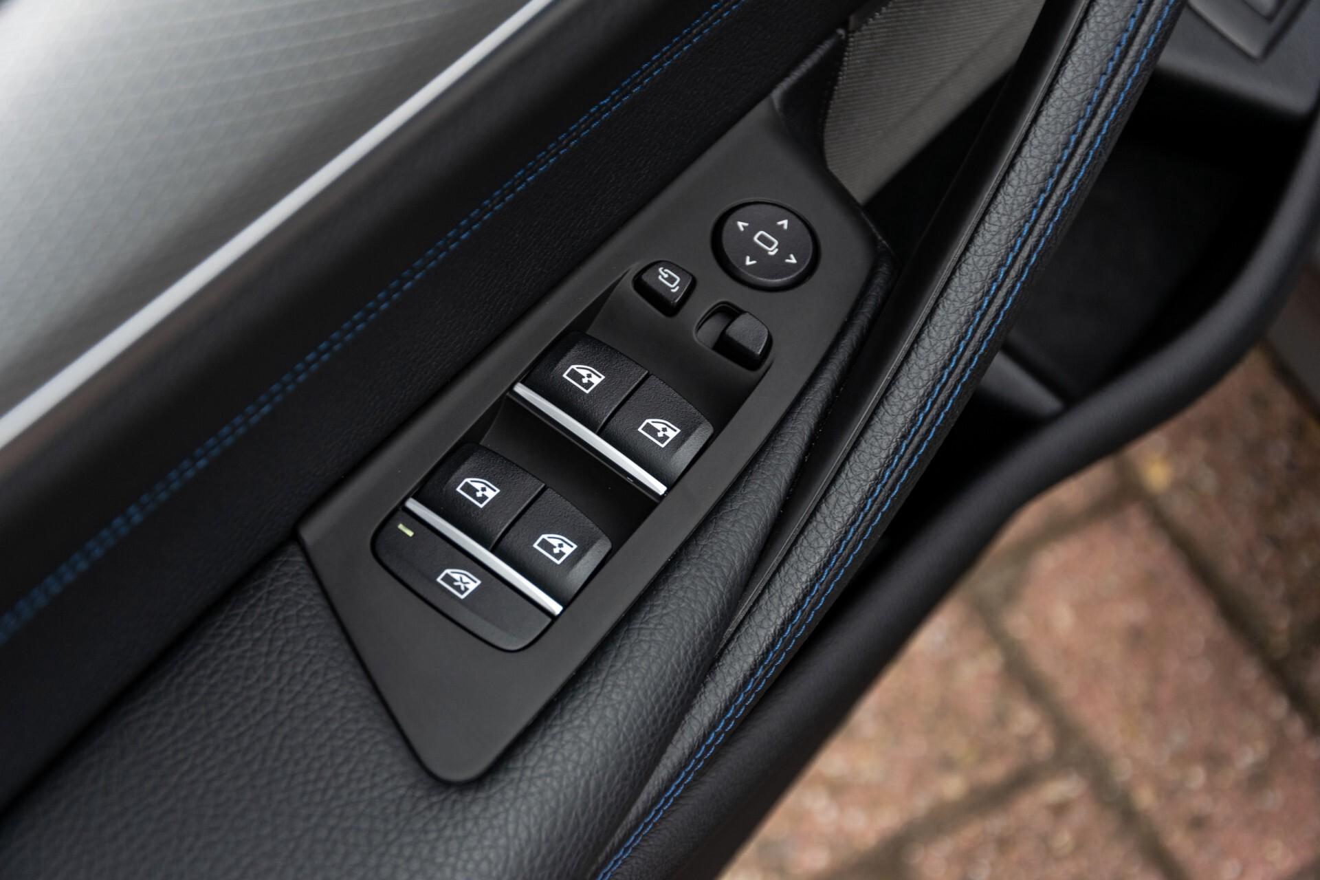 BMW 5 Serie 530e xDrive M-Sport iPerformance High Executive Aut8 Foto 22