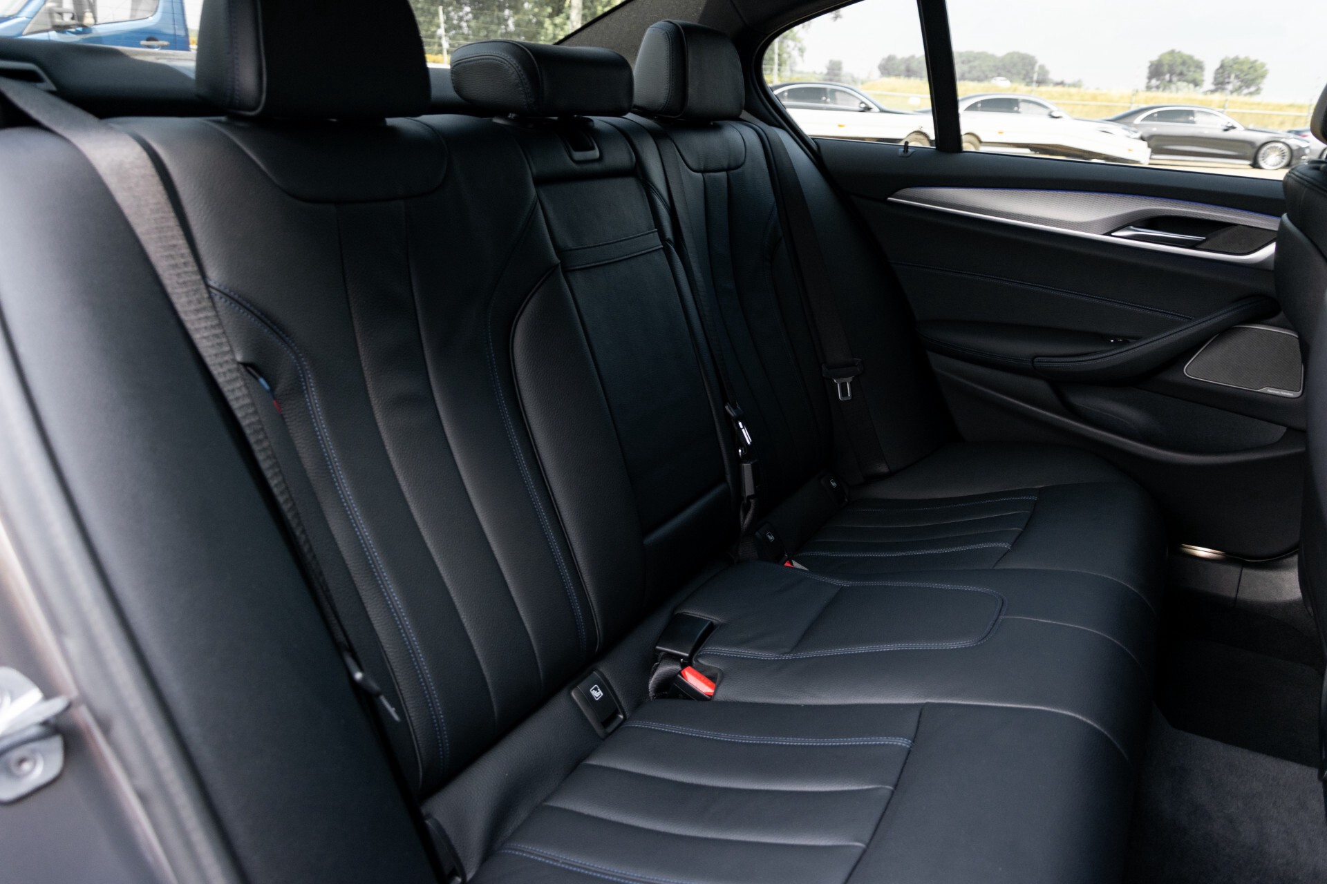 BMW 5 Serie 530e xDrive M-Sport iPerformance High Executive Aut8 Foto 4