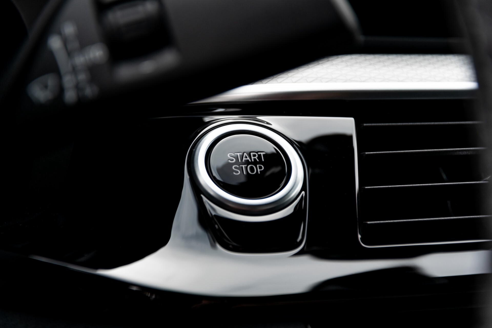 BMW 5 Serie 530e xDrive M-Sport iPerformance High Executive Aut8 Foto 44