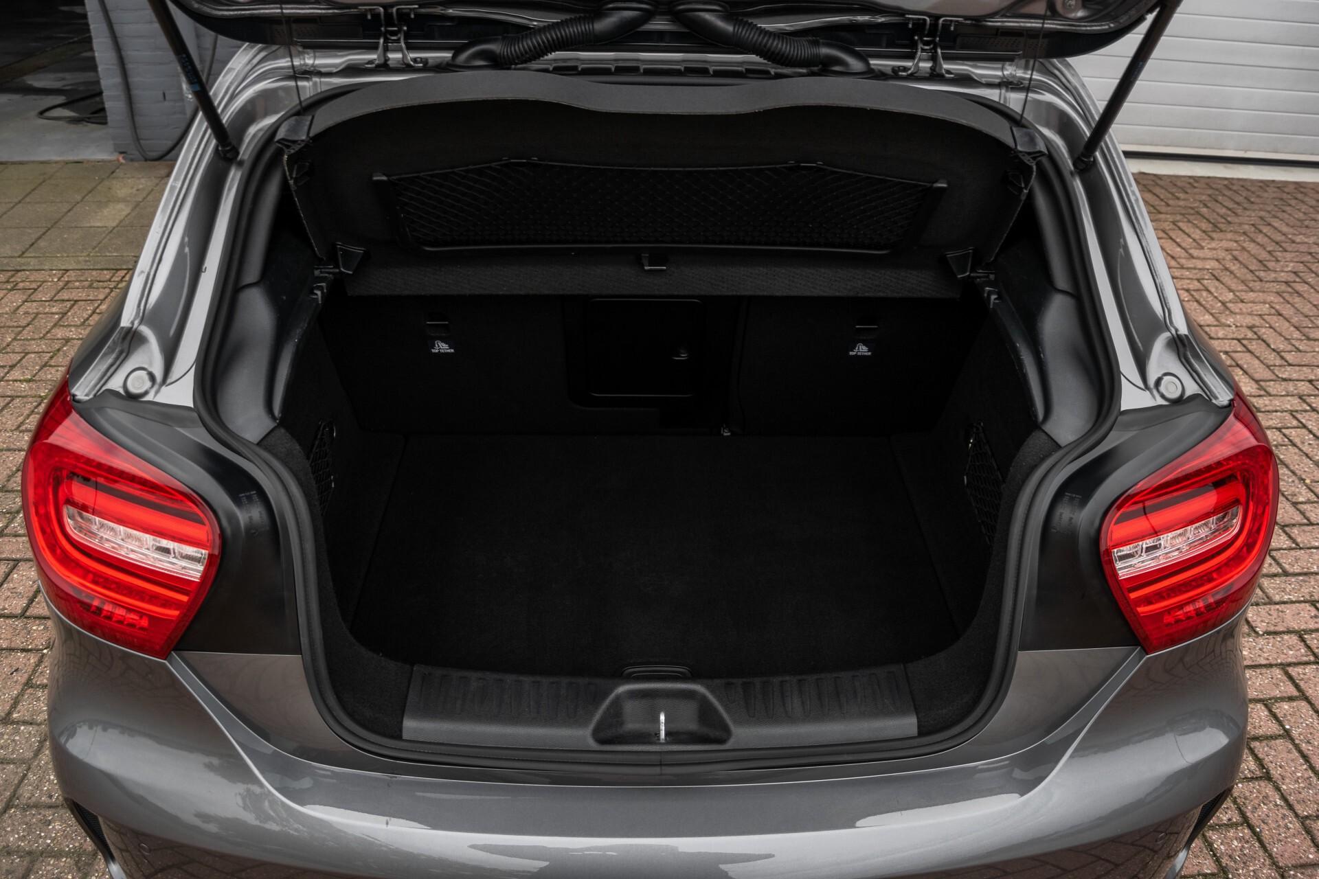 Mercedes-Benz A-Klasse 250 Sport AMG Panorama/Standkachel/Mem/Harman-Kardon/Distronic/Camera/Com Aut7 Foto 42