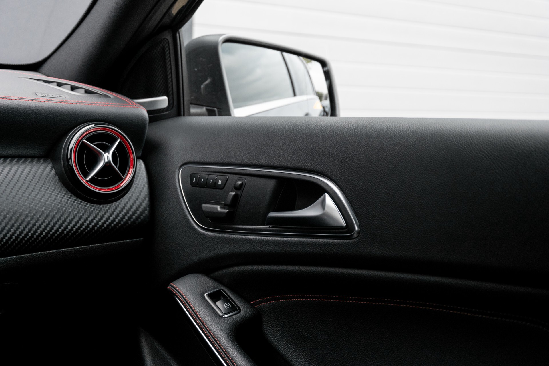 Mercedes-Benz A-Klasse 250 Sport AMG Panorama/Standkachel/Mem/Harman-Kardon/Distronic/Camera/Com Aut7 Foto 44