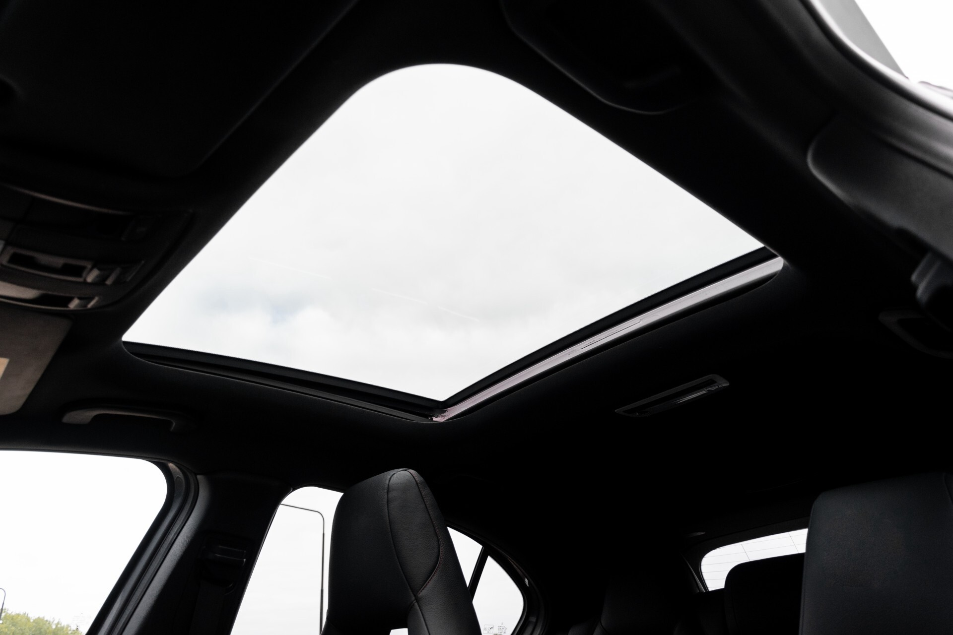 Mercedes-Benz A-Klasse 250 Sport AMG Panorama/Standkachel/Mem/Harman-Kardon/Distronic/Camera/Com Aut7 Foto 47