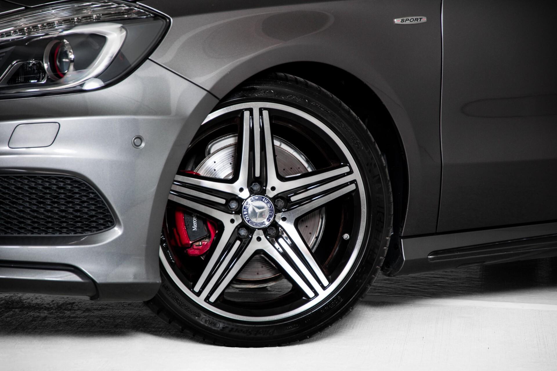 Mercedes-Benz A-Klasse 250 Sport AMG Panorama/Standkachel/Mem/Harman-Kardon/Distronic/Camera/Com Aut7 Foto 57