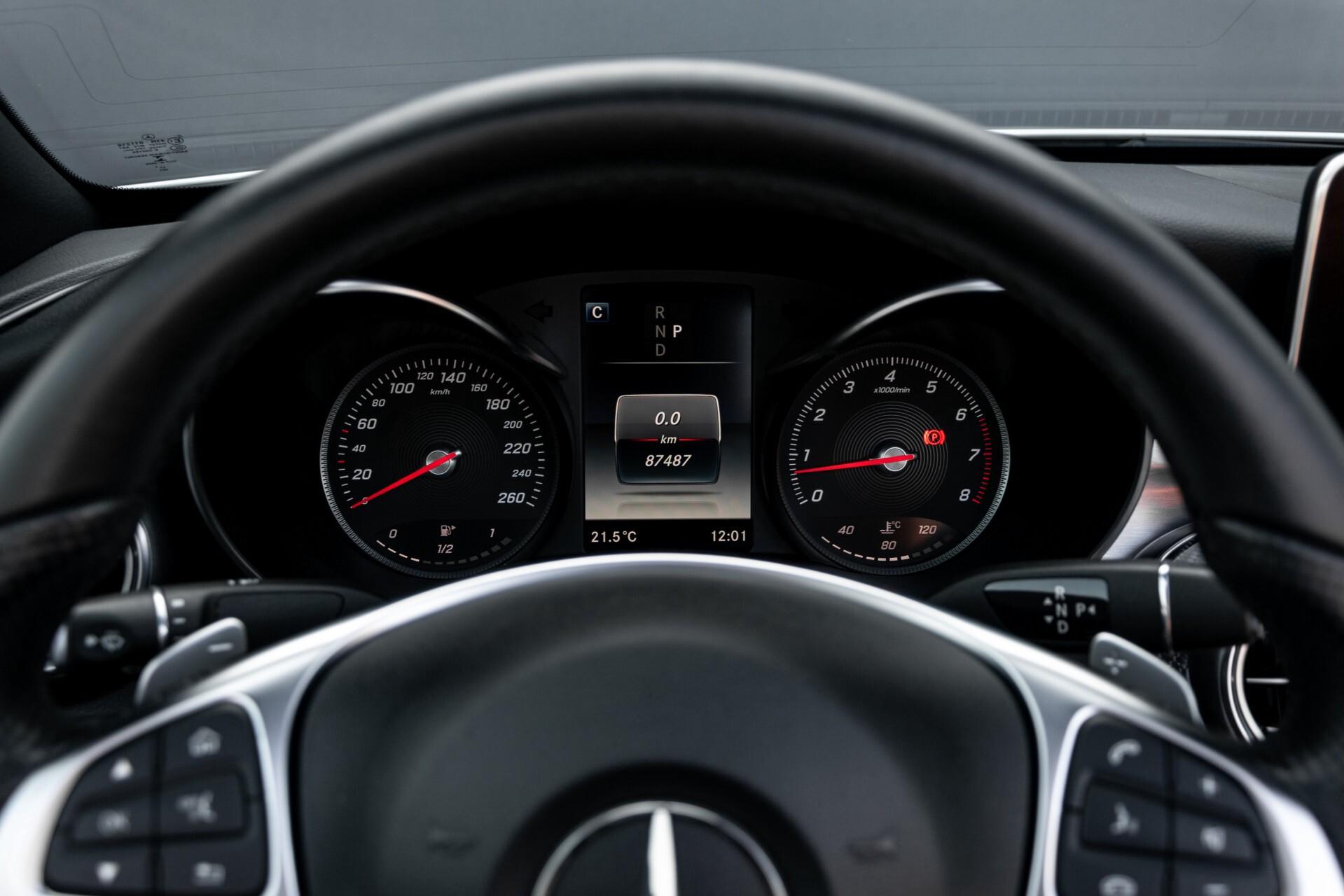Mercedes-Benz C-Klasse 300 Cabriolet AMG Carbon/Airscarf/Aircap/Comand/Zadelbruin leder/Burmester Aut9 Foto 11