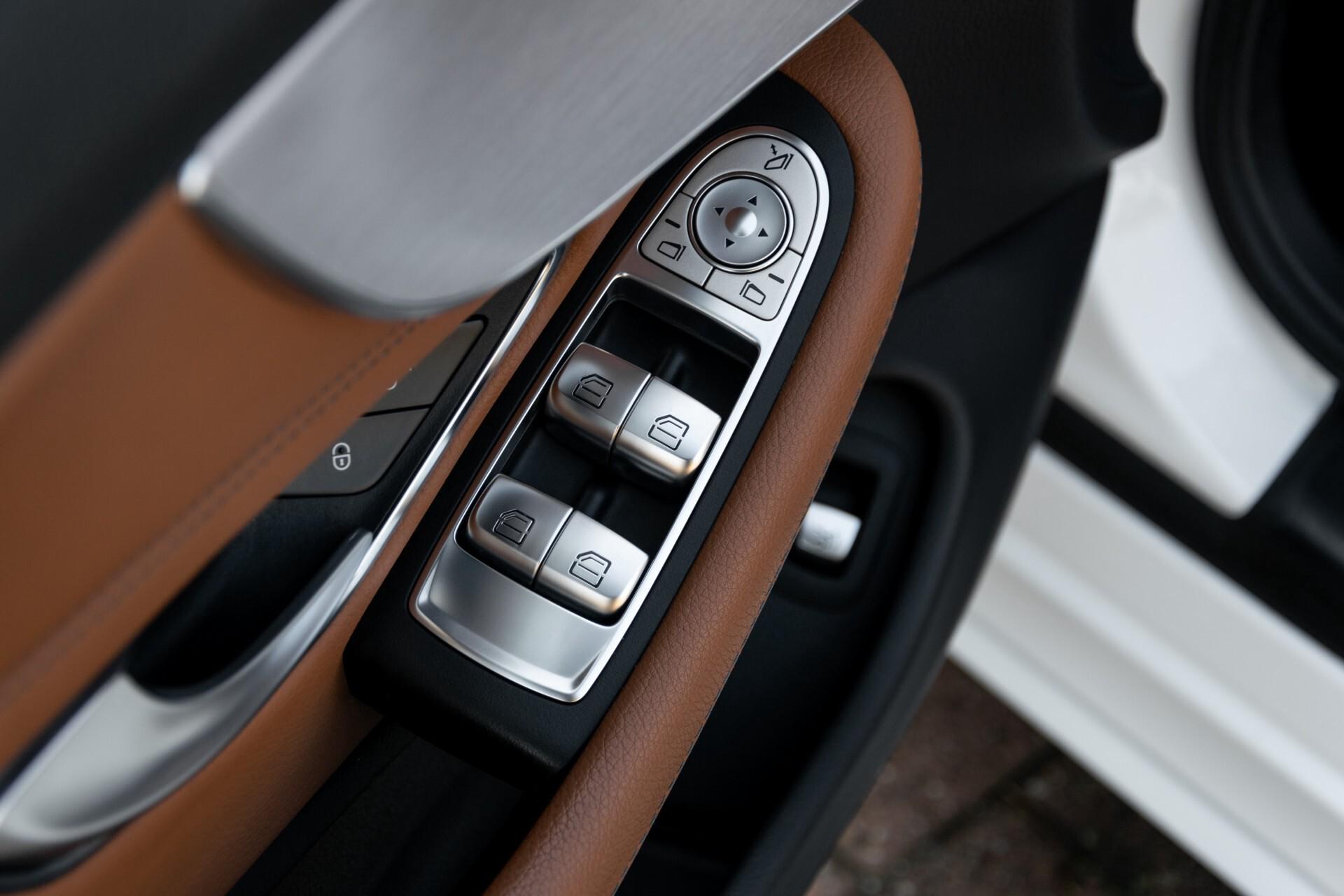 Mercedes-Benz C-Klasse 300 Cabriolet AMG Carbon/Airscarf/Aircap/Comand/Zadelbruin leder/Burmester Aut9 Foto 17