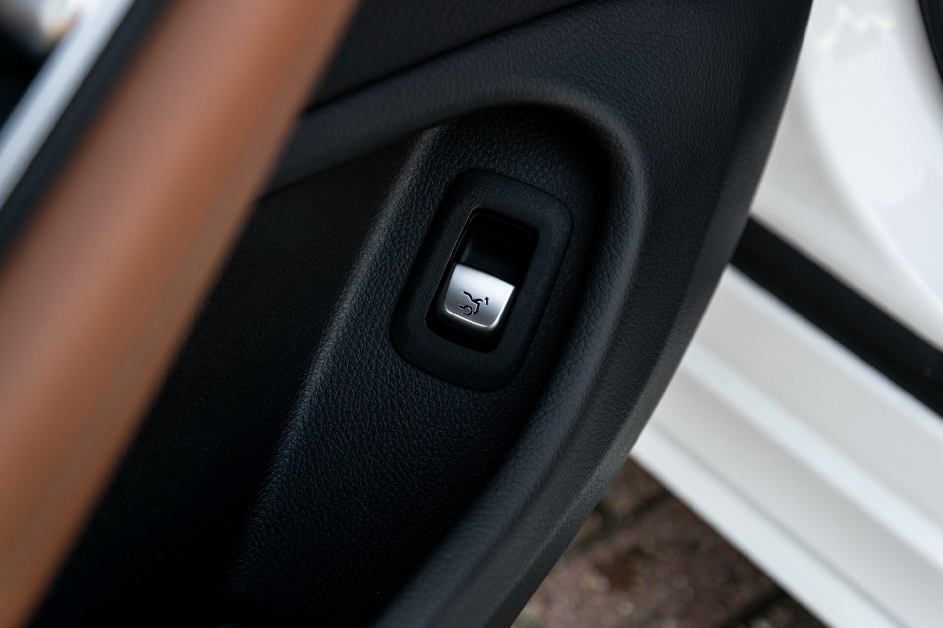 Mercedes-Benz C-Klasse 300 Cabriolet AMG Carbon/Airscarf/Aircap/Comand/Zadelbruin leder/Burmester Aut9 Foto 19
