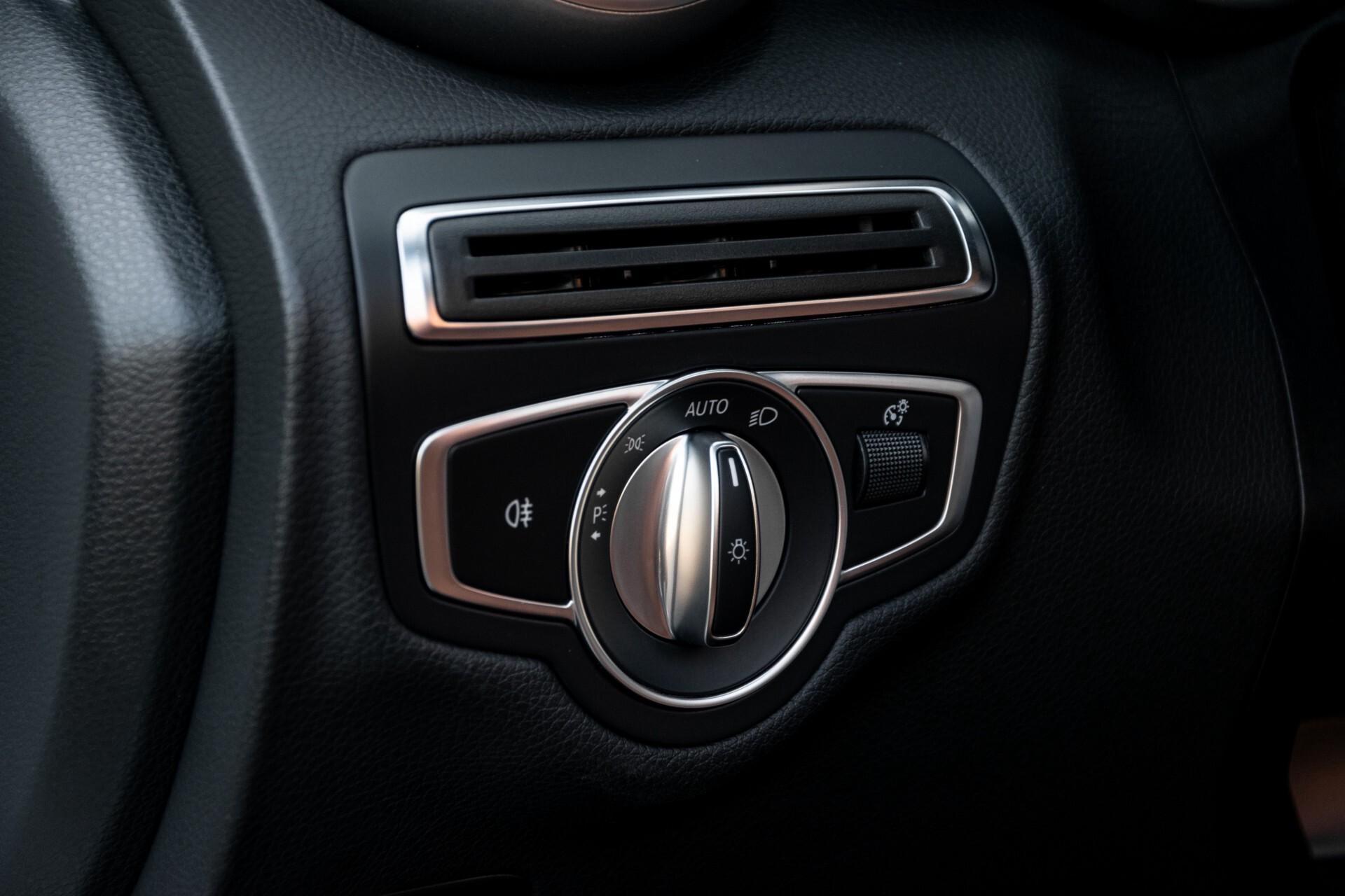 Mercedes-Benz C-Klasse 300 Cabriolet AMG Carbon/Airscarf/Aircap/Comand/Zadelbruin leder/Burmester Aut9 Foto 31
