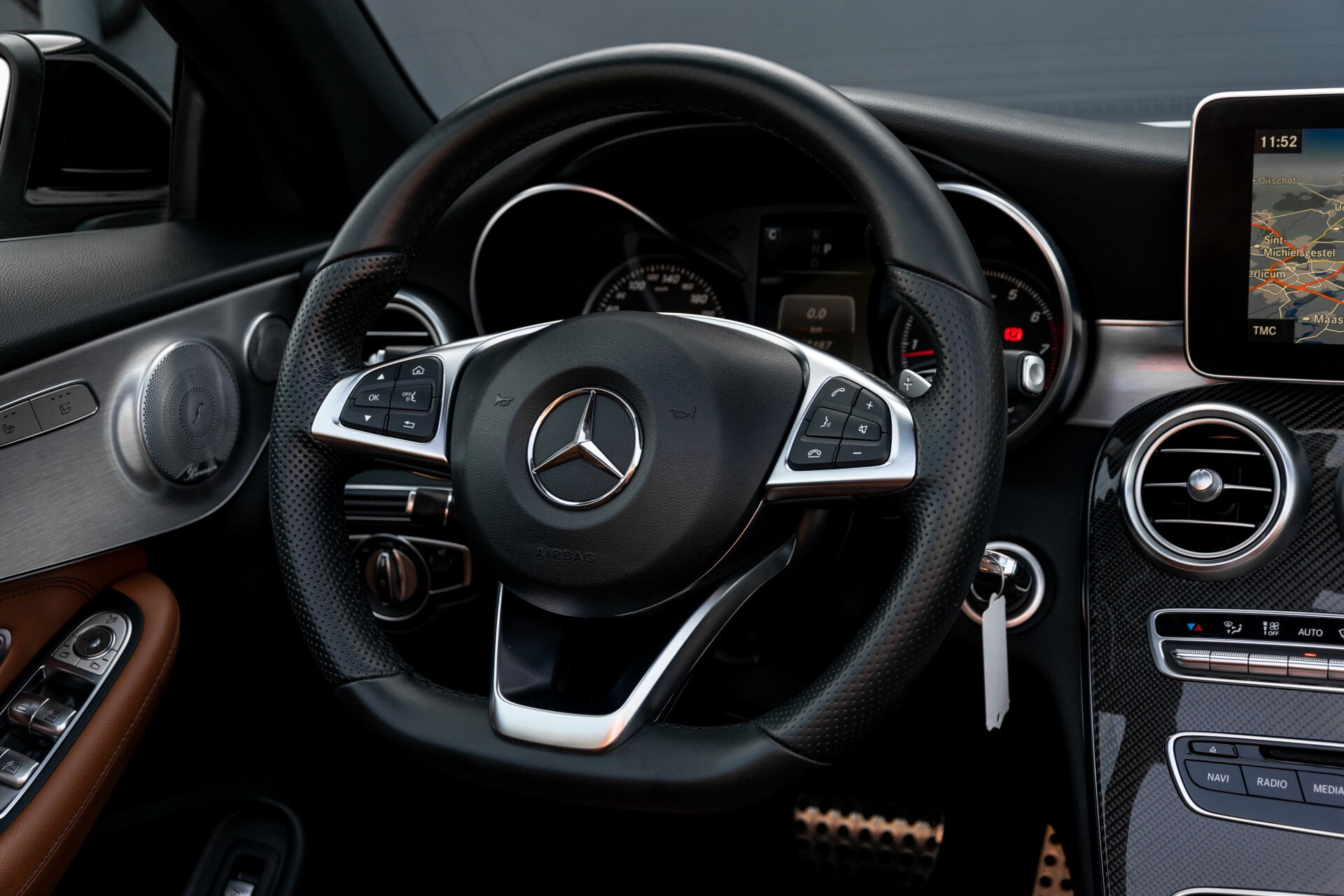 Mercedes-Benz C-Klasse 300 Cabriolet AMG Carbon/Airscarf/Aircap/Comand/Zadelbruin leder/Burmester Aut9 Foto 9