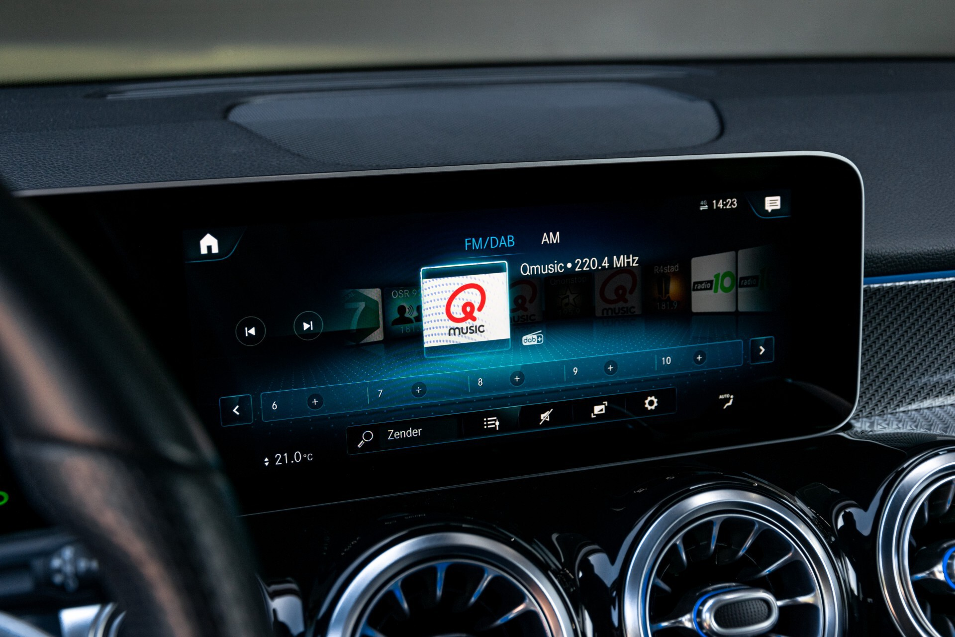 Mercedes-Benz GLB 250 4-M AMG Night/Distronic/Keyless/Mem/Geventileerde stoelen/Burmester/Pano Aut8 Foto 20