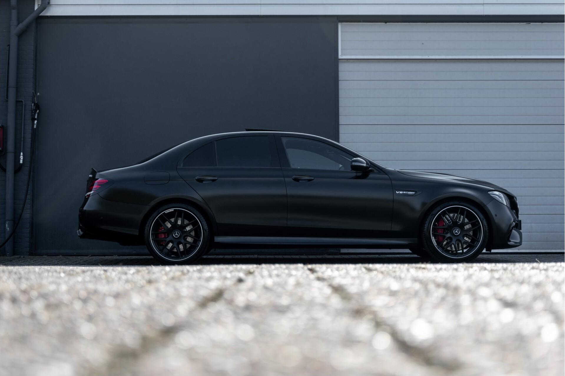 Mercedes-Benz E-Klasse 63 S AMG 4-Matic+ Edition 1 Matzwart/Carbon/Full Options Aut9 Foto 77