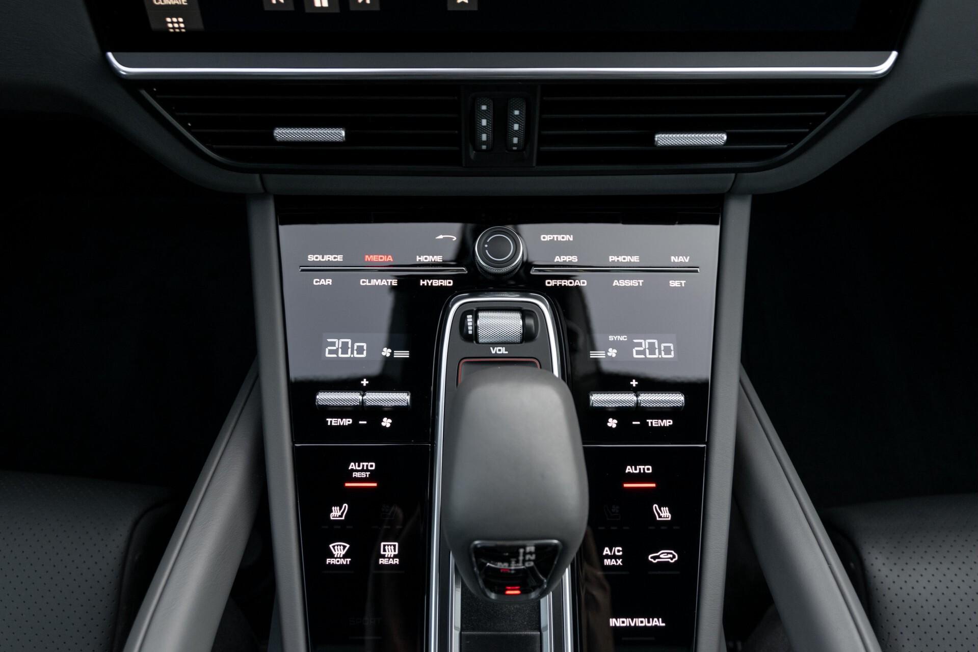 Porsche Cayenne 3.0 E-Hybrid Sport Design Luchtvering/Panorama/Adaptieve stoelen Aut8 Foto 16