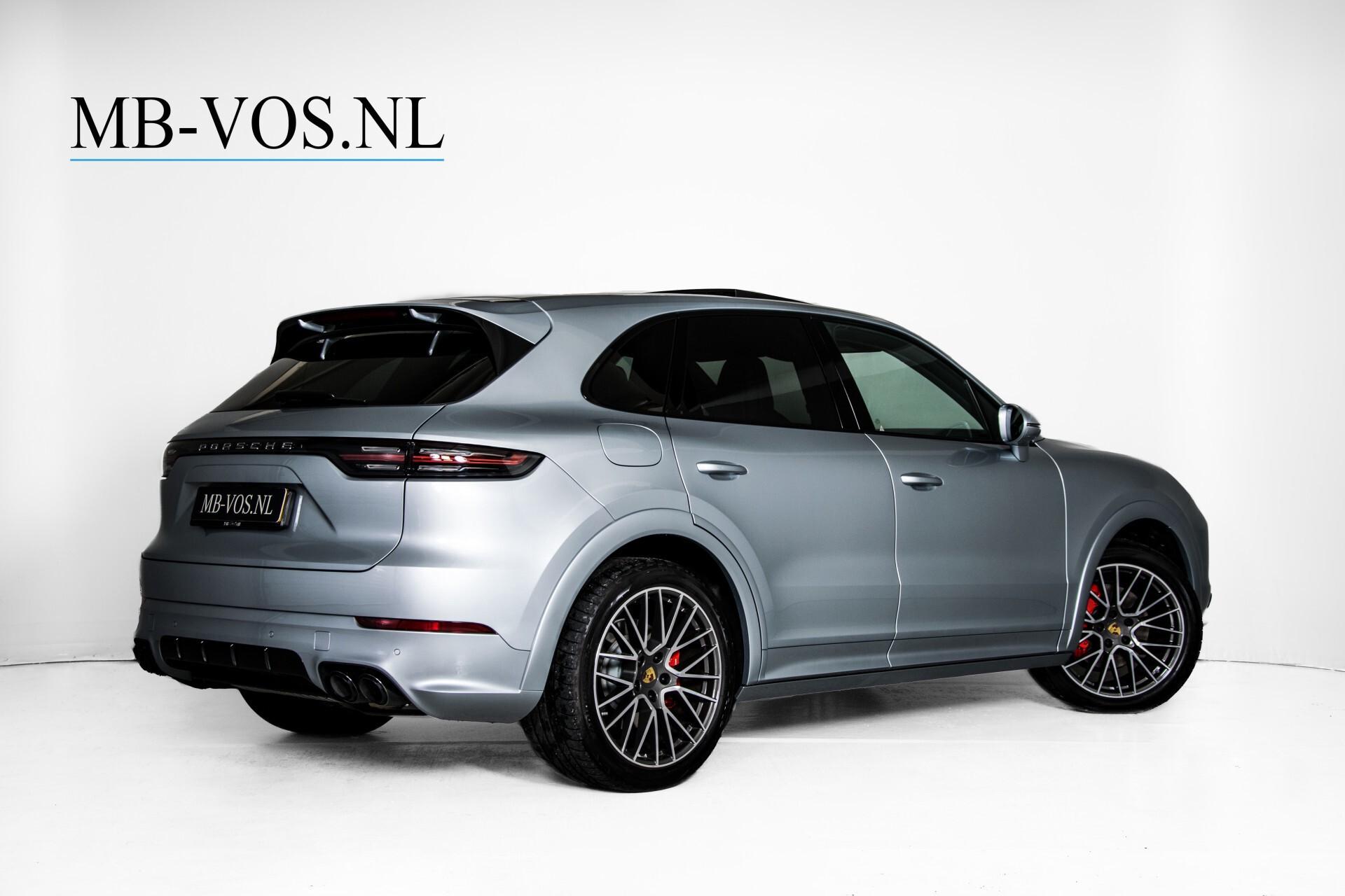 Porsche Cayenne 3.0 E-Hybrid Sport Design Luchtvering/Panorama/Adaptieve stoelen Aut8 Foto 2
