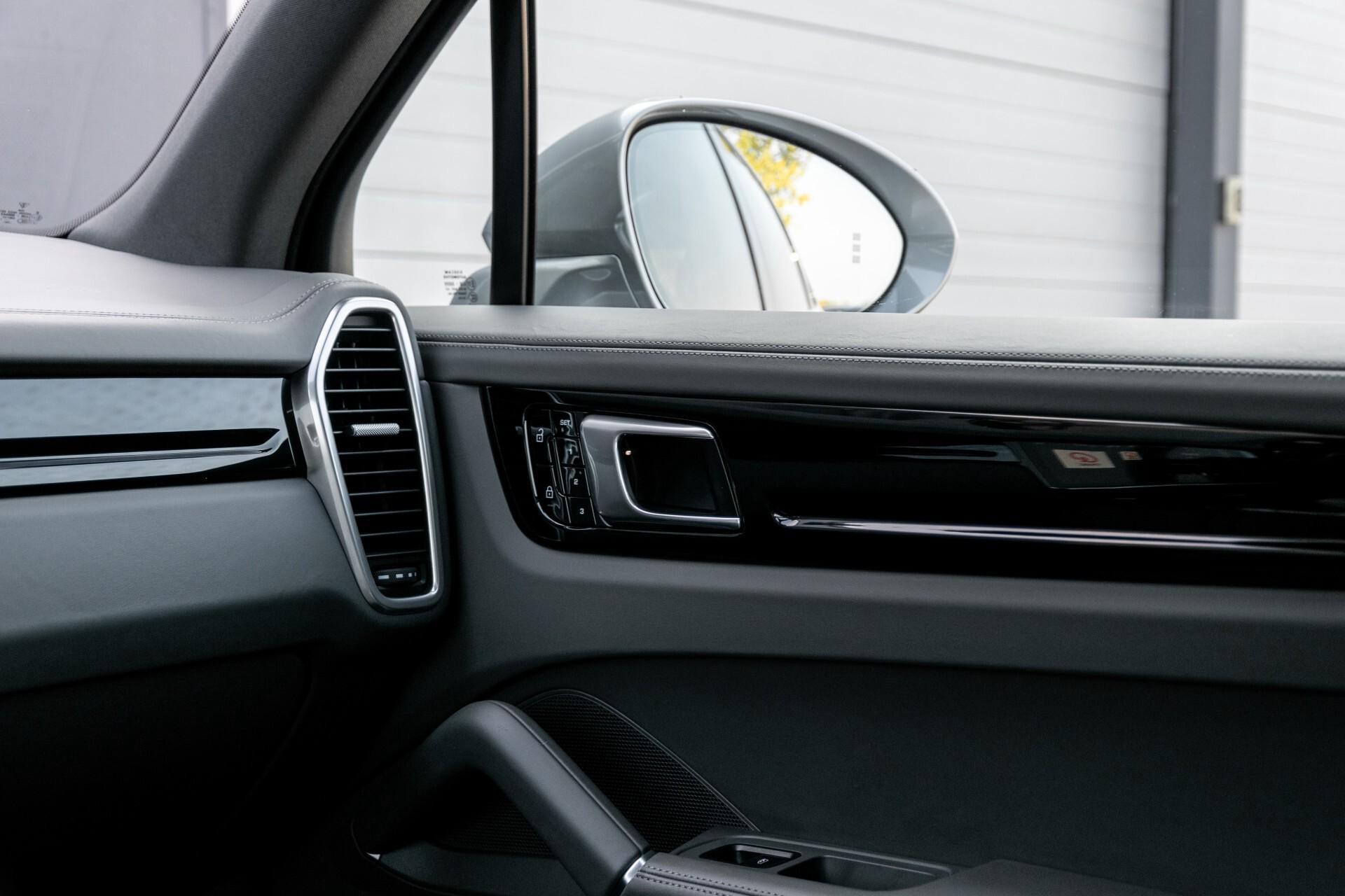Porsche Cayenne 3.0 E-Hybrid Sport Design Luchtvering/Panorama/Adaptieve stoelen Aut8 Foto 35