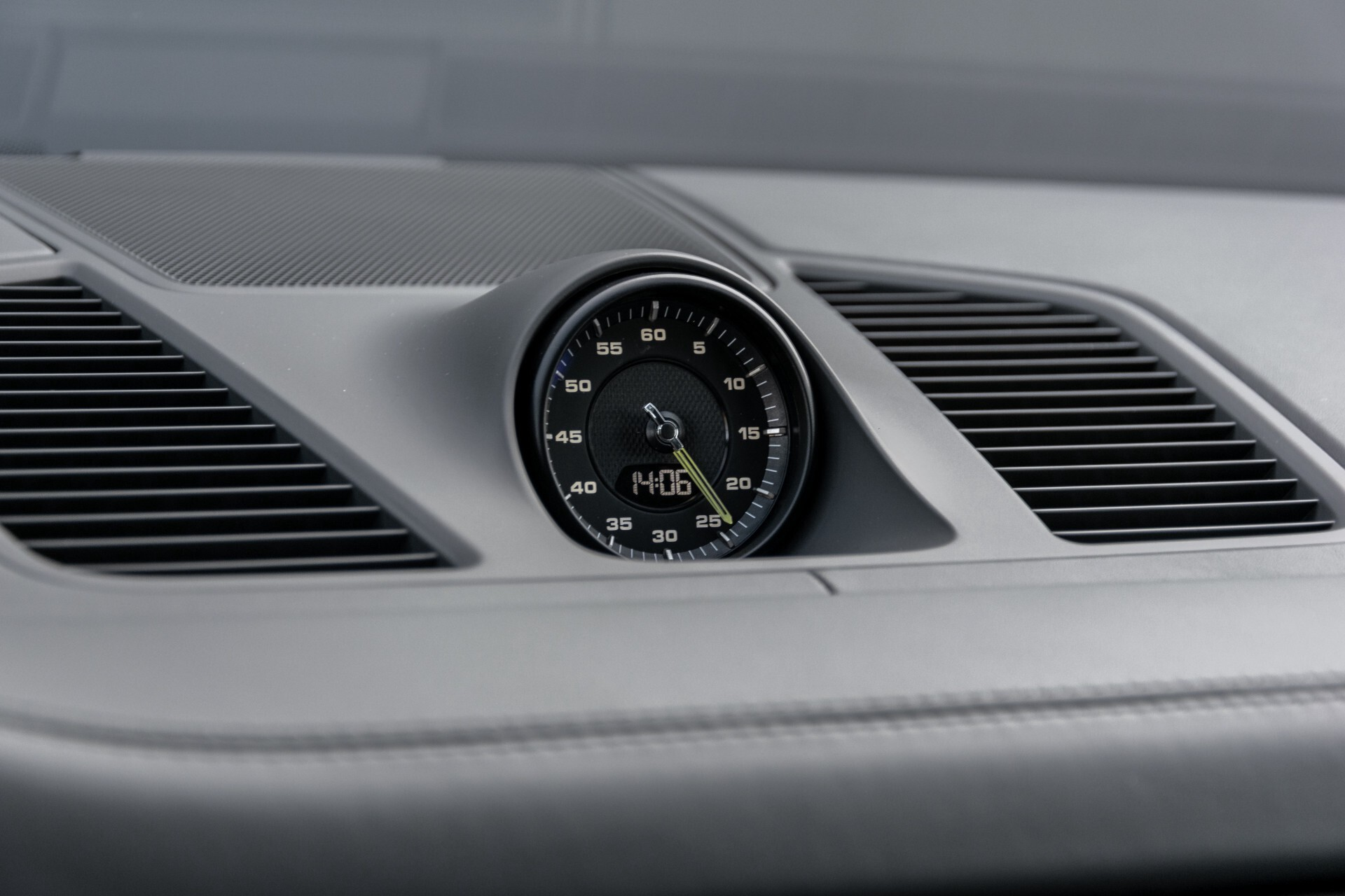Porsche Cayenne 3.0 E-Hybrid Sport Design Luchtvering/Panorama/Adaptieve stoelen Aut8 Foto 37
