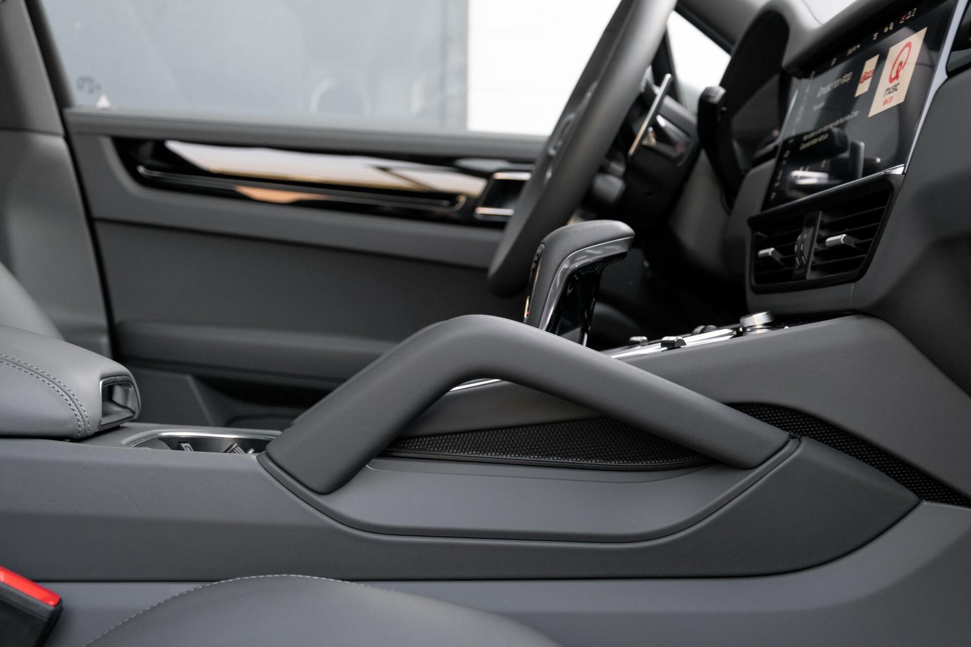 Porsche Cayenne 3.0 E-Hybrid Sport Design Luchtvering/Panorama/Adaptieve stoelen Aut8 Foto 41