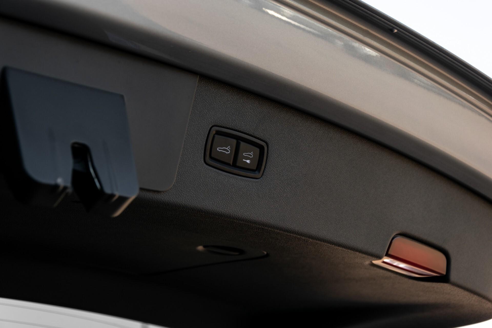 Porsche Cayenne 3.0 E-Hybrid Sport Design Luchtvering/Panorama/Adaptieve stoelen Aut8 Foto 46