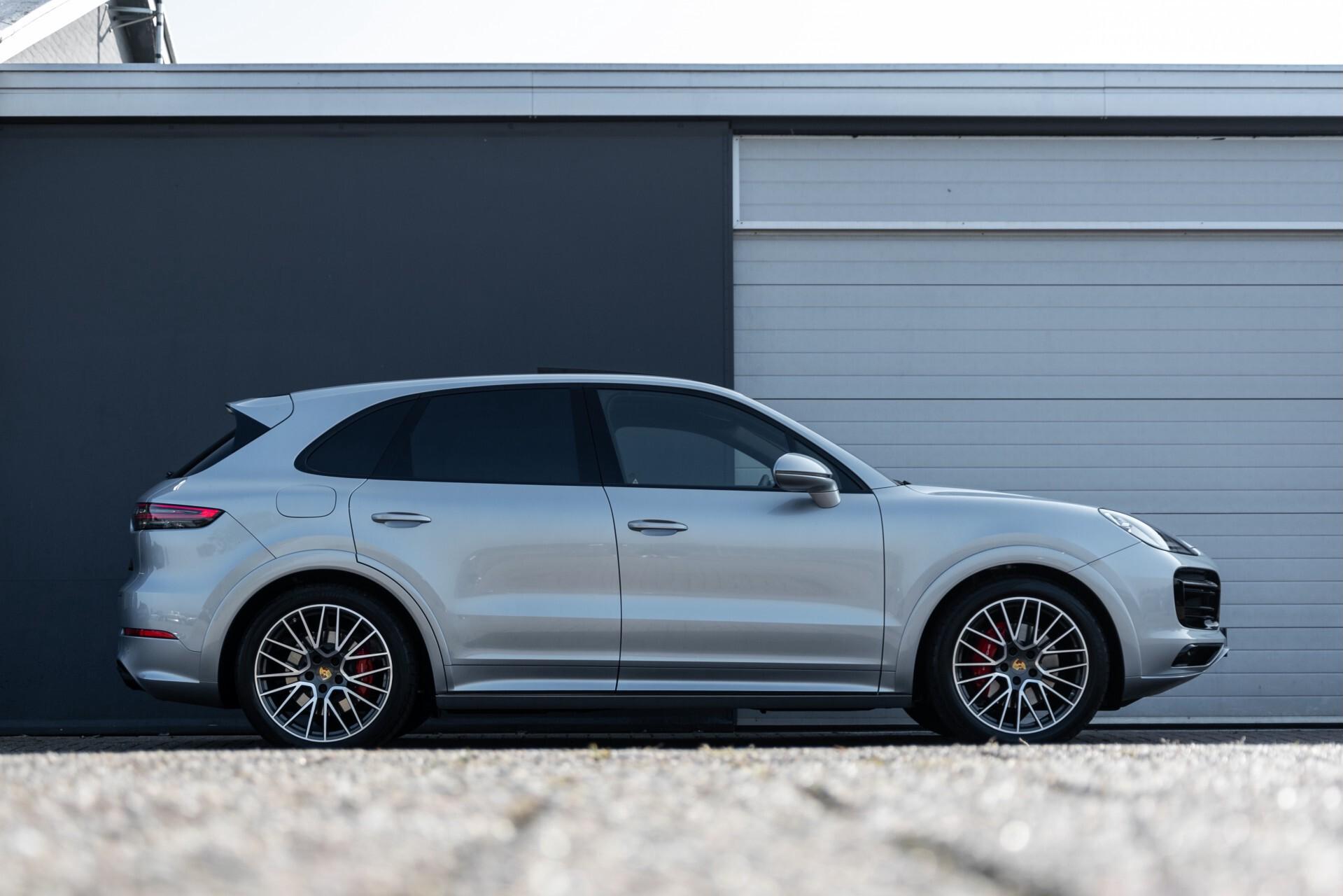 Porsche Cayenne 3.0 E-Hybrid Sport Design Luchtvering/Panorama/Adaptieve stoelen Aut8 Foto 53